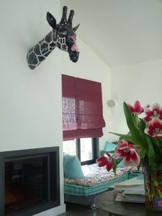 Notre girafe est bien tombée chez Caroline et Vincent ! jugez en vous même : un loft à Montreuil à bientôt !