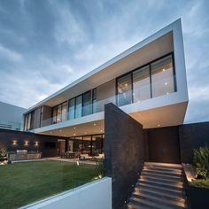 GLR Arquitectos Designs the Dreamy ER House in Monterrey, Mexico - Design Milk Amazing Architecture, Modern Architecture, Architecture Layout, Modern Mansion, Waterfront Homes, Modern House Design, Location, Exterior Design, Future House