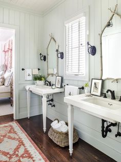 Undeniably charming and chic, Pinewood Grove, a family hunting lodge by C. Brandon Ingram Design, is the kind of place that can't help but call you home. Elegant Home Decor, Elegant Homes, Red Velvet Sofa, Painting Shiplap, Console Sink, Brandon Ingram, Southern Homes, White Houses, Tiny Houses