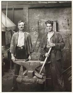 """""""Grobschmiede"""", 1926, photo: August Sander (1876-1964)"""
