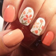 Pressed flowers, fluorescent tips, and color-blocked pastels make these spring manicures prime picks for warm-weather months. But we don't blame you if you wear them year-round. Check out the 30 shellac nails we prepared for you!