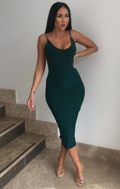 Emerald Slinky dress Dope Outfits, Classy Outfits, Chic Outfits, Trendy Outfits, Fashion Outfits, Women's Fashion, Bandana Hairstyles For Long Hair, One Piece Dress, Holiday Outfits