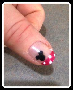 Disney DIY: Minnie-Mickey Nail Art