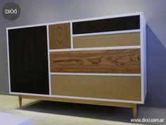 Comoda modelo Woddy. Estructura de apoyo de madera maciza Guatambu, cuerpo de MDF laqueado y frente de cajones en distintas maderas enchapadas.  cajones con correderas telescopicas. #dxxi #muebles #furniture #madera #wood #interior desing
