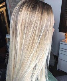 I love the color - Haare - Blonde Hair Looks, Brown Blonde Hair, Blonde Brunette, Balayage Hair, Ombre Hair, Pinterest Hair, Hair Color And Cut, Grunge Hair, Hair Highlights