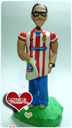 Fanático del Atletico de Madrid Figura personalizada elaborada en Porcelana Fría por Luzyamelin customized figure made of cold porcelain by Luzyamelin https://www.facebook.com/luzyamelinArtwork?ref=ts&fref=ts