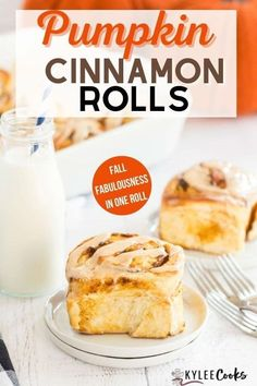 Scrumptious Pumpkin Cinnamon Rolls filled with pumpkin pie flavor, rolled and baked, then slathered with a spice-spiked cream cheese frosting. Hello, Fall! Easy Waffle Recipe, Waffle Recipes, Donut Recipes, Pie Recipes, Brunch Recipes, Breakfast Recipes, Flan, Pumpkin Recipes, Fall Recipes