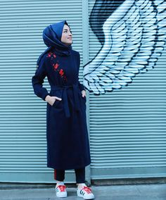 But not the shoe. Casual Hijab Outfit, Hijab Dress, Casual Outfits, Fashion Outfits, Women's Fashion, Hijab Style, Hijab Chic, Modele Hijab, Modesty Fashion