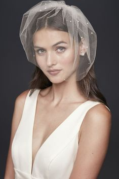 Crystal-Dotted Birdcage Veil Style Ivory A scattering of glittering crystals adds sparkle to a classic tulle birdcage veil. Nylon Hang and steam Imported Veil Hairstyles, Wedding Hairstyles, Hairstyles Pictures, Short Hairstyles, Short Veil, Short Wedding Veils, Wedding Dresses, Prom Dresses, Bronze Art