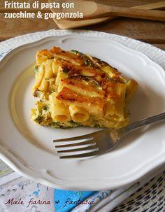 Frittata di pasta con zucchine e gorgonzola, un primo suculento e facile.Da preparare anche per pranzi all'aperto.