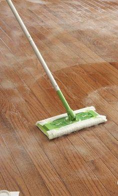Best way to clean laminate wood floors! Homemade DIY cleaner in article.