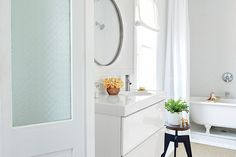 White Bathrooms We Can't Help But Drool Over- Southernliving. Step aside, white kitchens.   We love a white kitchen, but now we're giving love to another space that looks amazing wrapped in white—the bath. Take a cue from these stunning spaces and give your bathroom a new look with a fresh coat of white paint.