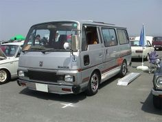 Nissan E23