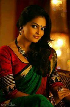 How to Select the Best Modern Saree for You? Beauty Full Girl, Beauty Women, Modern Saree, Indian Fashion Trends, Elegant Saree, Beautiful Indian Actress, Beautiful Ladies, Simply Beautiful, Indian Beauty Saree
