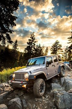 Jeep Rubicon!  Pretty grey....Love it! This is the color Tony wants.