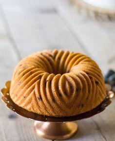 Deze lovely sinaasappelcake in tulband vorm is heel simpel om te maken, maar met een overheerlijk resultaat. Check hier het recept!