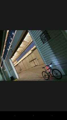 Looks like Kemper arena Tunnel. This dude Rides like. The. Wind. On a chilly. Night ♌