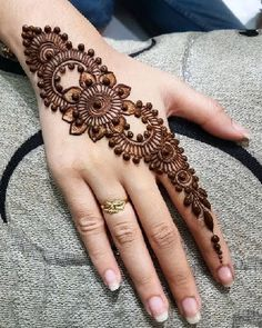 100+ Simple And Easy Mehndi Designs For Beginners 2019