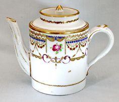 Petite THEIERE LITRON en porcelaine de PARIS - Manufacture de LOCRE - Ep. 18e