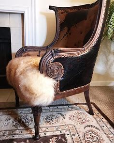 8 Surprising Useful Tips: Upholstery Diy Sofa upholstery tufting couch.Upholstery For Beginners Pillow Tutorial. Living Room Upholstery, Upholstery Trim, Furniture Upholstery, Upholstery Cushions, Upholstery Cleaning, Western Furniture, Funky Furniture, Furniture Projects, Luxury Furniture