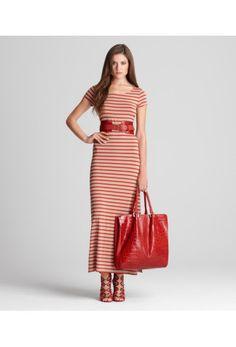 Maxi dress and a humongous bag. My summer uniform.