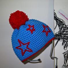 urtyp pink bommel bommelmütze handmade handmade crochet beanie pinkbommel hellblau rot sterne