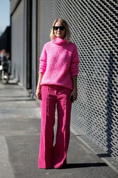 81 Outfit Ideas to Inspire Your New-Season Wardrobe See what influential women in fashion are wearing on the streets of New York Fashion Week. Click through to be inspired as we update the gallery daily. Pink Fashion, Colorful Fashion, Fashion 2020, Fashion Looks, Fashion Outfits, Womens Fashion, 2000s Fashion, Ladies Fashion, Street Fashion
