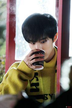 [STARCAST] Behind the scenes of WHITE_NIGHT - UP10TION Wooshin #업텐션 #UP10TION #하얗게_불태웠어 #Wooshin #우신 #WHITE_NIGHT