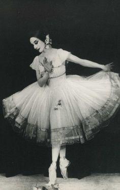 Vintage ballet - ballerina Anna Pavlova as Giselle - 1924 - London Anna Pavlova, Ballerina Dancing, Ballet Dancers, Ballerinas, Shall We Dance, Just Dance, Tumblr Ballet, Ballerine Vintage, Ballet Vintage