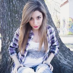 Resultado de imagen para lyna vallejos Lyna Youtube, Famous Youtubers, Fans, Best Friends Forever, Cursed Images, Sexy Body, Tie Dye, Idol, Women