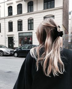 5 Hairstyles That Look Way Better on Dirty Hair - Convenile Pretty Hairstyles, Easy Hairstyles, Hairstyle Ideas, Fringe Hairstyle, Blonde Hairstyles, Bob Hairstyle, Girls Short Haircuts, Good Hair Day, Mode Inspiration