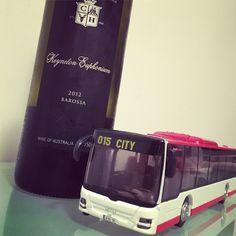 A wine like a bus. Wines, Australia, Big