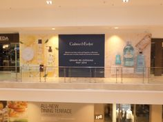 Crabtree  Evelyn mask their renovations with a modular #barricade. #CrabtreeEvelyn #cspdisplay
