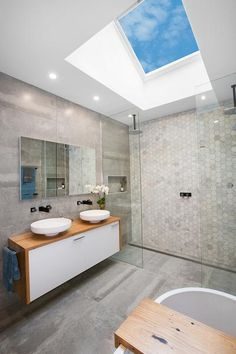 This unique photo is genuinely an amazing style technique. Ensuite Bathrooms, Master Bathroom, Skylight Bedroom, Reno Rumble, Skylight Shade, Bathroom Inspo, Bathroom Ideas, Home Reno, Skylights