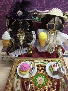 Sweetness is krishna Cute Krishna, Krishna Radha, Lord Krishna, Lord Shiva, Laddu Gopal Dresses, Bal Gopal, Ladoo Gopal, Hindu Deities, Hinduism
