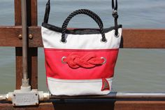 Recycled white dacron sail bag with red strip and marine knot  #borsa #bag #sailbag #vela #borsevela #artigianali #handmade #madeinitaly #unique #lignano