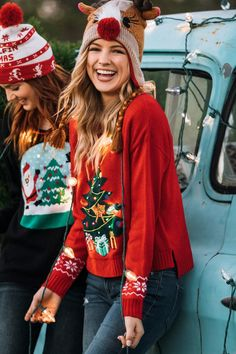 charming christmas outfit ideas that can you copy right now page 6 Diy Ugly Christmas Sweater, Ugly Sweater, H&m Fashion, Fashion Outfits, Stylish Outfits, Photo Pour Instagram, Pregnacy Fashion, Cute Date Outfits, Christmas Fashion