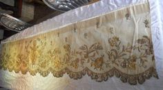 ANTIQUE FRENCH 19 TH-CENTURY ALTAR FRONTAL GOLD METALLIC EMBROIDERY
