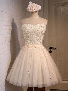 A-line Sweetheart Short/Mini Champagne Lace-up Organza Homecoming Dress With Appliques Crystal