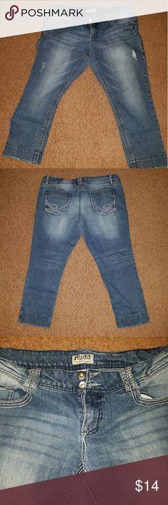 Mudd capri jeans Mudd capri jeans size 13 Mudd Pants Capris