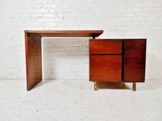 Pivot design desk