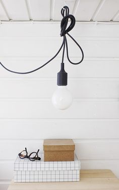 Via Varpunen | Hay Box | Muuto Bulb Lamp | Black and White
