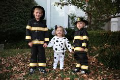 Sibling Halloween Costumes | Firefighters and Dalmatian