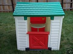 Omg the Little Tikes Playhouse!! <3