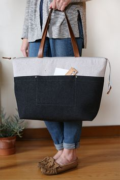 Denim Zip Top Tote- Noodlehead, a zip top tote (pattern from Handmade Style) using denim and leather.