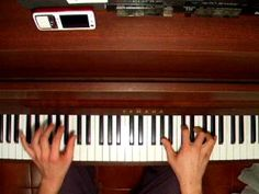 Rue des cascades (Yann Tiersen) played by endlessly4 on YouTube
