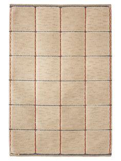 RUTIG VIT HALVFLOSSA Designed by Märta Måås-Fjetterström in 1923 #MMF #MärtaMååsFjetterström #MartaMaas #Handwoven #Handmade #Knotted #Pile #Rug #Rugs #SwedishCarpets #SwedishDesign