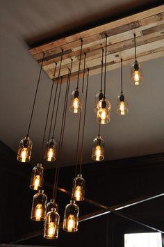 lampade e lampadari post industriale con bottiglie riciclate