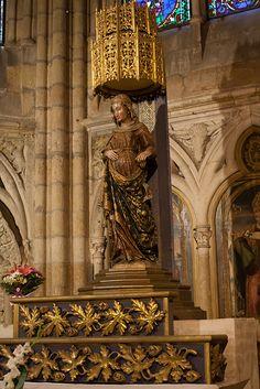Camino de Santiago   Statute at the Cathedral