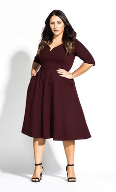 City Chic Cute Girl Elbow Sleeve Dress in Red Plus Size Work Dresses, Plus Size Outfits, Dresses For Work, Plus Size Wedding Guest Outfits, Plus Size Fashion Dresses, Big Size Dress, Curvy Outfits, Stylish Outfits, Fit And Flare